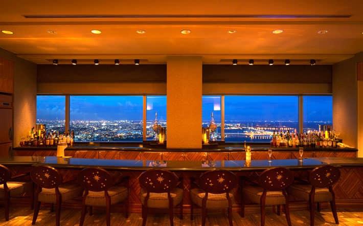 横浜ランドマークタワー最上階 70F スカイラウンジ「シリウス」
