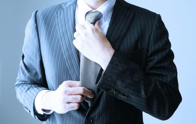 男性におけるお見合いに必要な服装やマナー