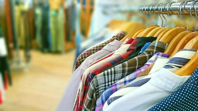 ジャケットとパンツの組み合わせも人気