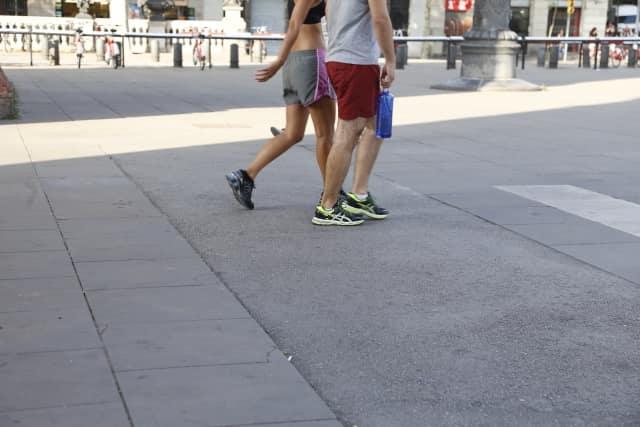 おすすめのデート2「散歩中やジョギング中に話をする」